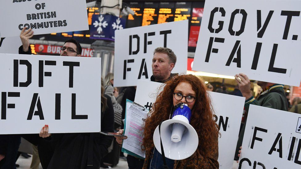 commuters protest at Victoria station