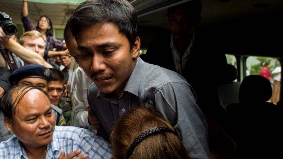 Detained Reuters journalist Kyaw Soe Oo outside court in Yangon, 27 December 2017