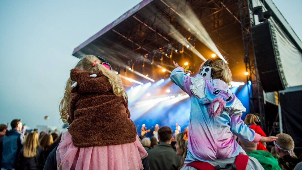 Fans at Electric Fields