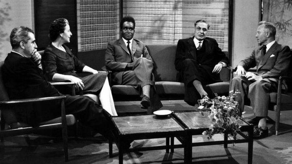 BBC Brains Trust. L-R ; Paul-Marc Henry, Lady Kackson, Kenneth Kaunda, B.K. Nehru and Norman Fisher (chairman).