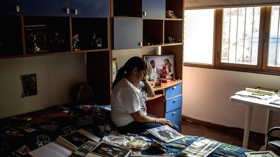Juan Pablo Pernalete's family mourn