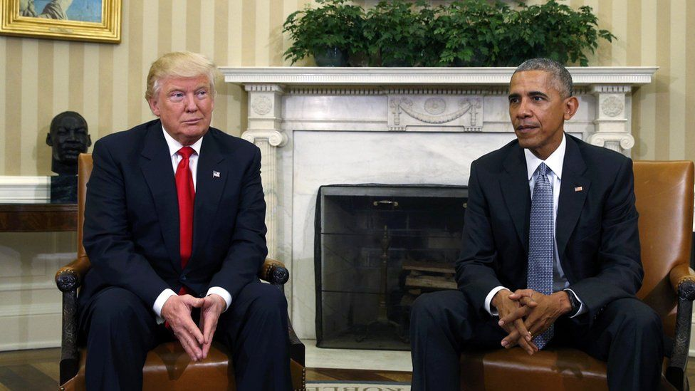 Donald Trump meets Barack Obama - five awkward photos - BBC News