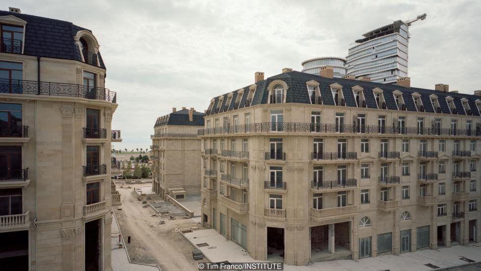 DERGİ - Petrol parasıyla Bakü'de inşa edilen Paris