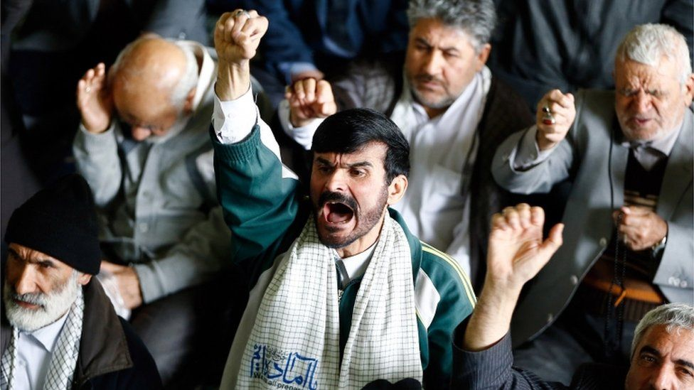 Iranians shout anti-US slogans after the Friday prayer ceremony in Tehrand