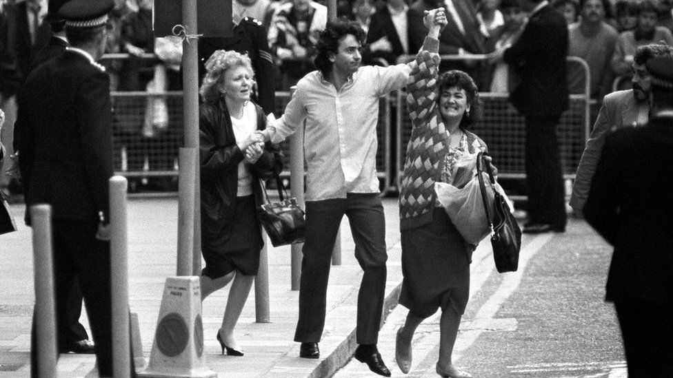 Gerry Conlon outside the Old Bailey after his release