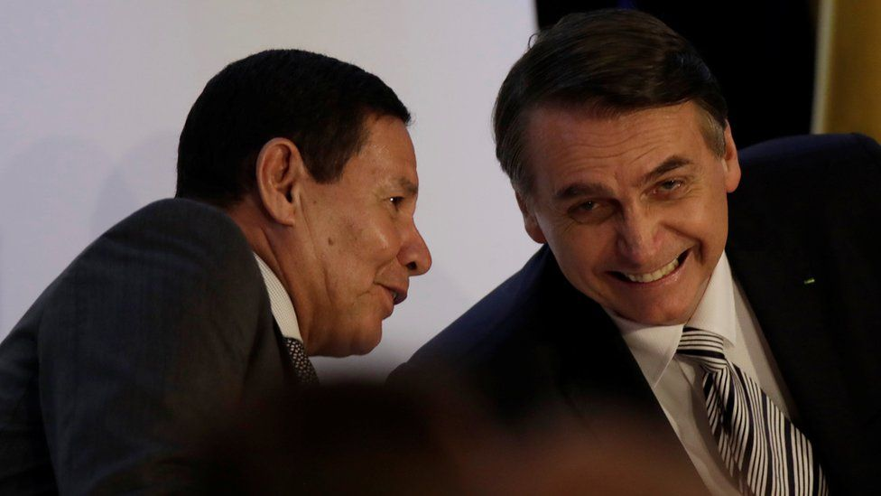 Governo Bolsonaro: em 4 temas importantes, as profundas diferenças no pensamento de olavistas e militares