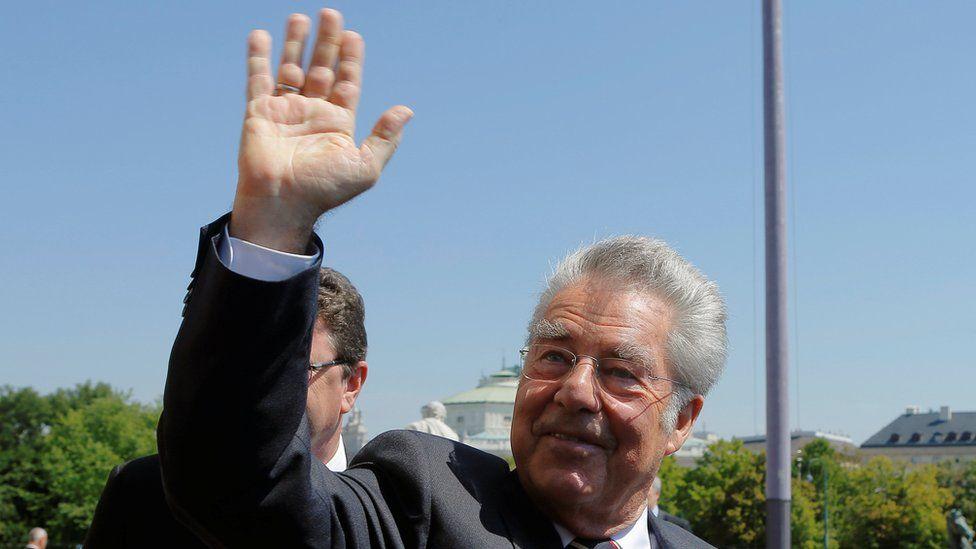 President Heinz Fischer leaves parliament on 8 July