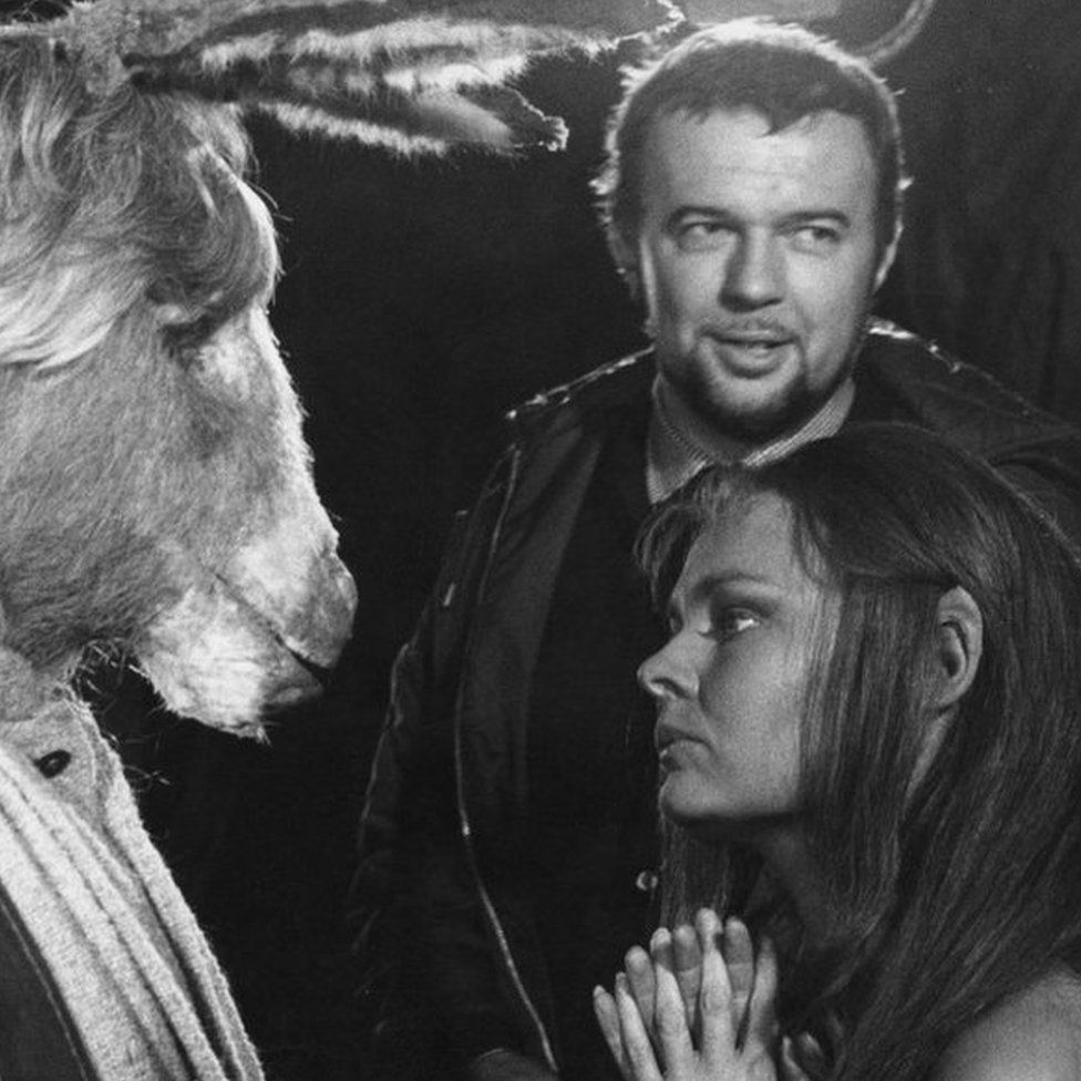 Peter Hall with Judi Dench in a 1968 Midsummer Night's Dream