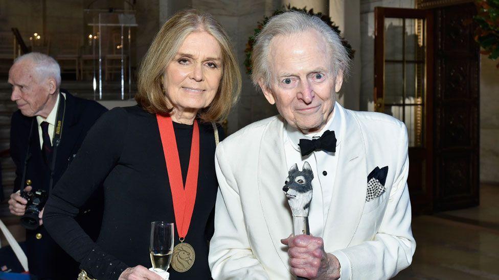 Wolfe with Gloria Steinem