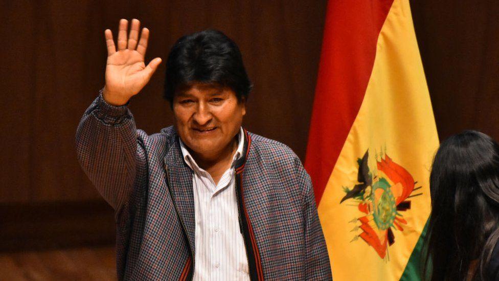 """Evo Morales viaja de forma """"temporal"""" a Cuba tras permanecer durante casi un mes como asilado político en México"""