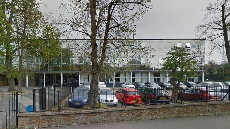 Kingsdale School