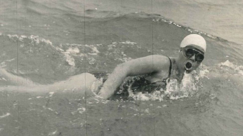 Photo of Jenny James swimming