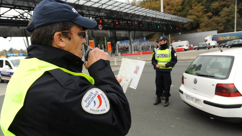 French policeman on Spanish border (file pic)