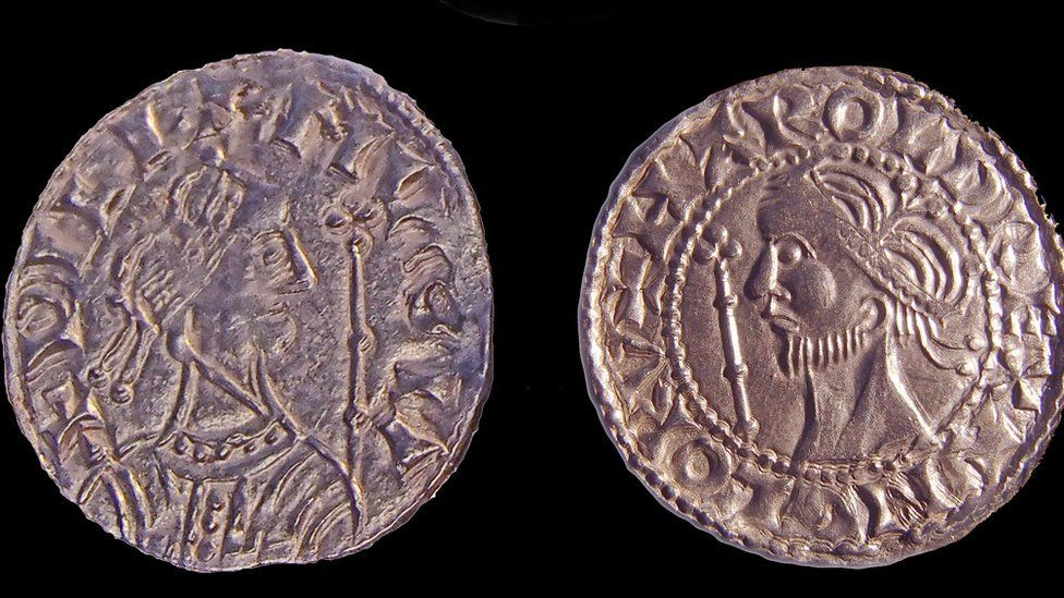 William and Harold (r) coins