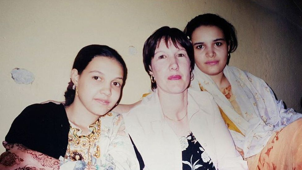 Jackie in 2001 reunited with her two eldest daughters, Nadia and Rahannah, in Yemen