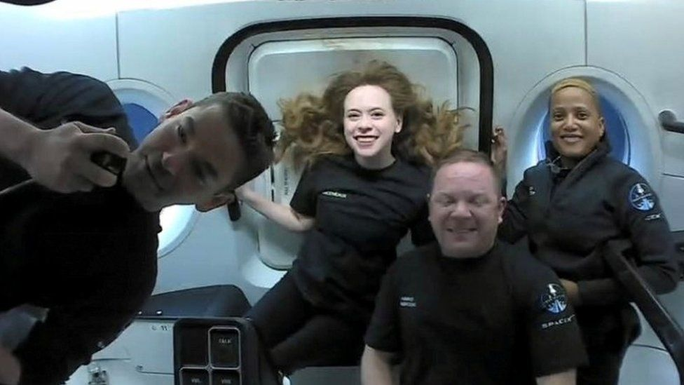 SpaceX: Inspiration4 amateur astronauts return to Earth after three days