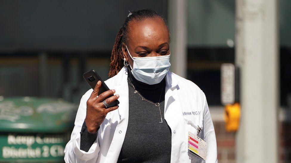 medic in mask in NY