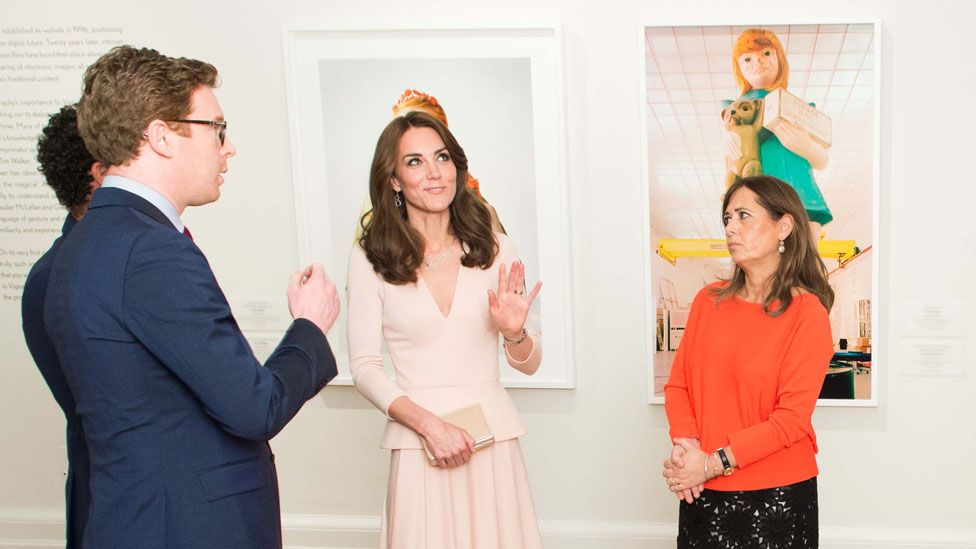 Shulman showing the Duchess of Cambridge around the Vogue exhibition at the National Portrait Gallery