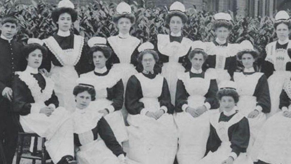 Domestic staff at Girton College, 1908