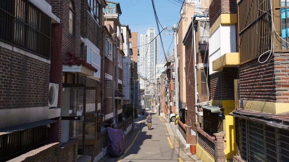 "The streets around Oh ke-cheol""s home in Seoul"