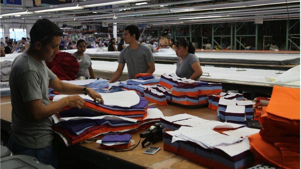 Factory workers in San Salvador (July 2015)