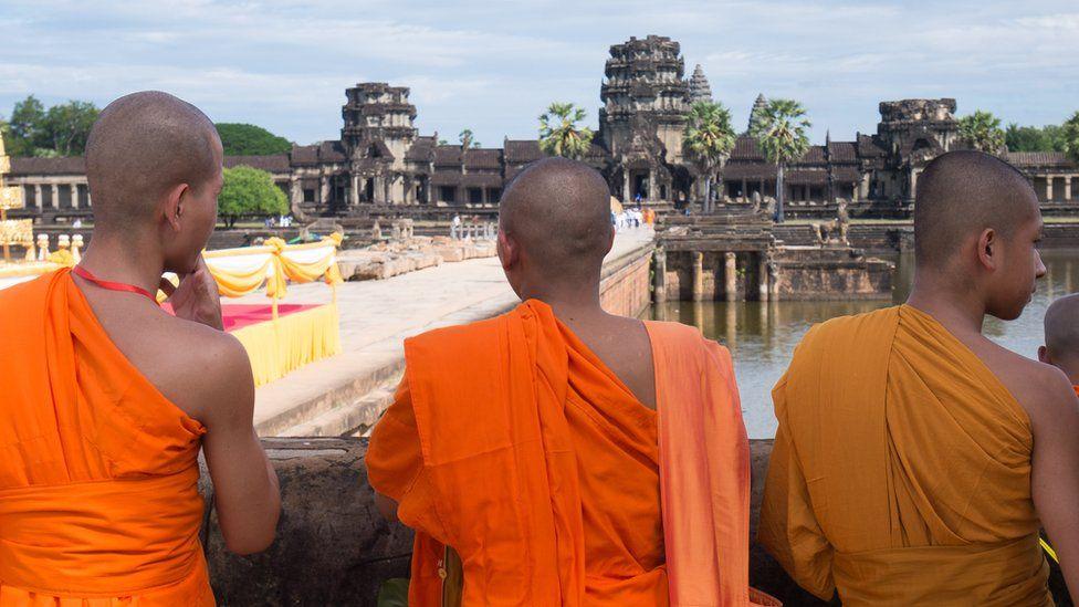 Buddhist monks at Angkor Wat