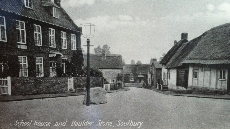 Photo of Soulbury stone