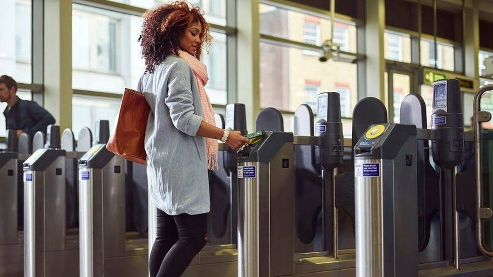 Android ay at tube station