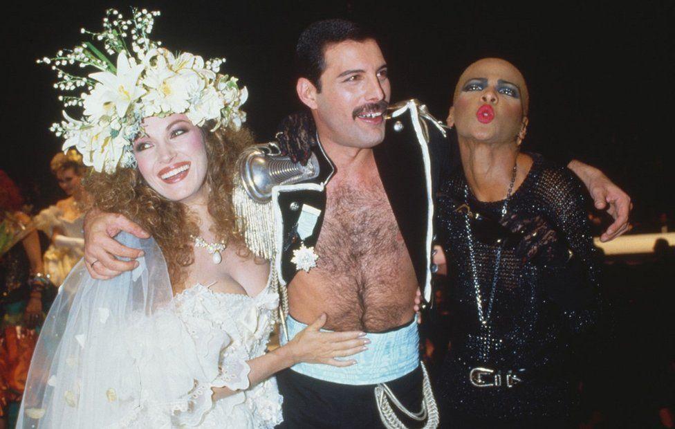 Jane Seymour and Freddie Mercury take part in Fashion Aid concert