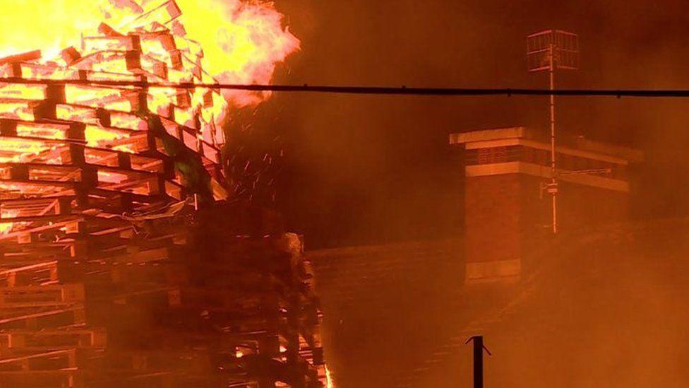 Bonfire on Ravenscroft avenue