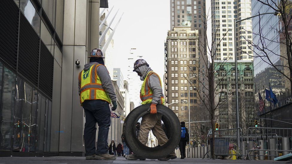 Construction workers in NY in January