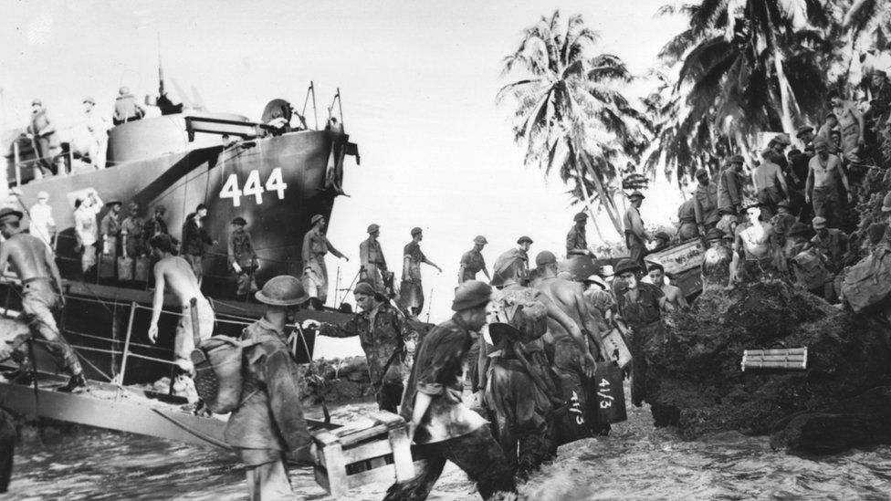 New Zealand troops land on Green Island in the Second World War