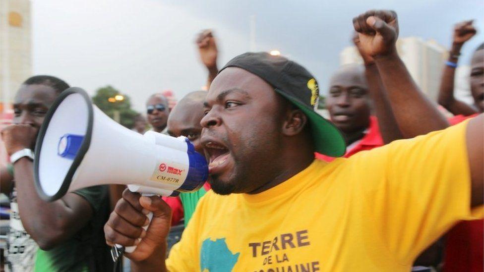 Protesters chant slogans against the presidential guard in Ouagadougou, Burkina Faso