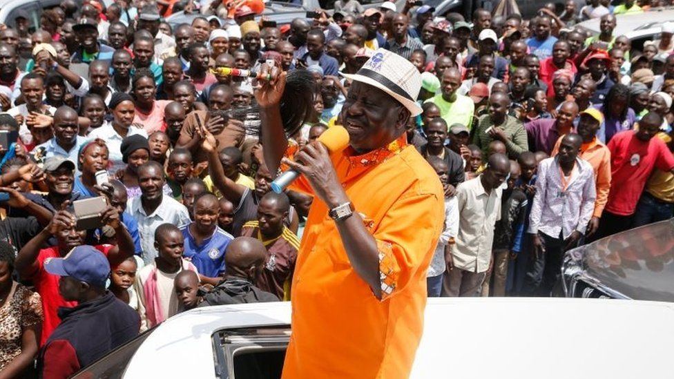 Presidential candidate Raila Odinga addresses thousands of his supporters in Nairobi (29 October 2017)
