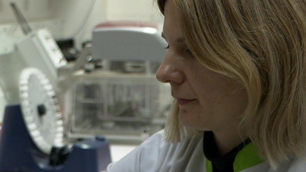 Anca Frinculescu in the laboratory at TICTAC Communications