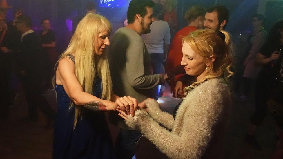 Melissa and Rachel dancing