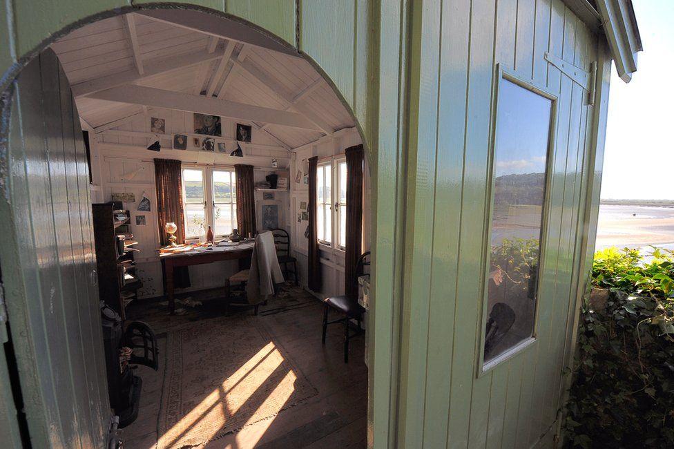 Dylan Thomas' writing shed
