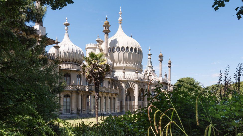 Royal Pavilion Gardens, New Road, Brighton, East Sussex