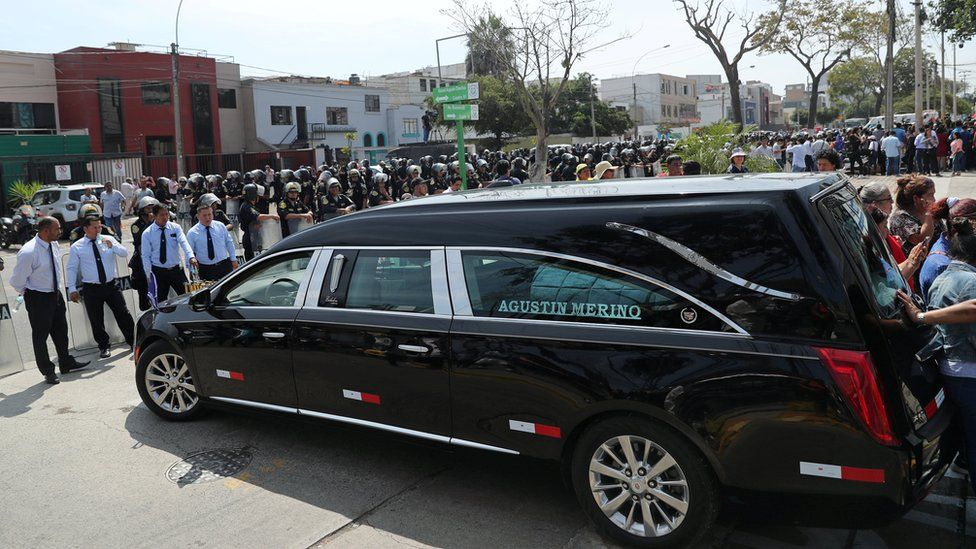 hearse at hospital in lima
