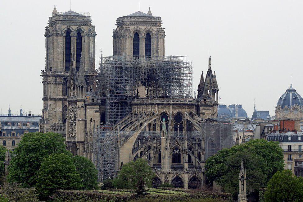 Notre Dame Fire Paris Surveys Aftermath Of Cathedral Blaze Bbc News