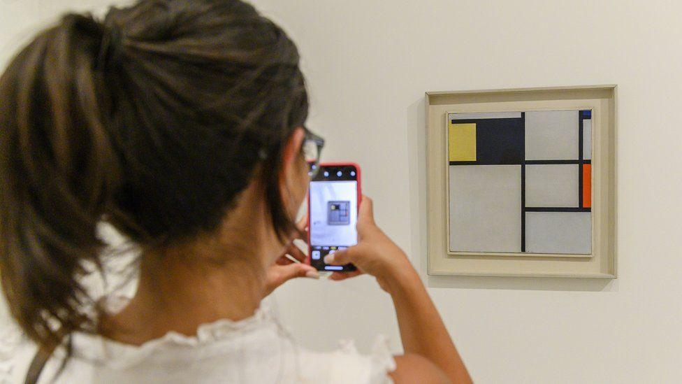Mondrian piece in museum