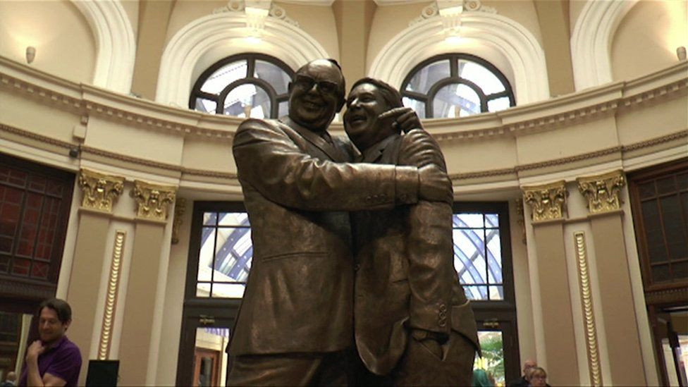 Bronze statue of Eric Morecambe and Ernie Wise