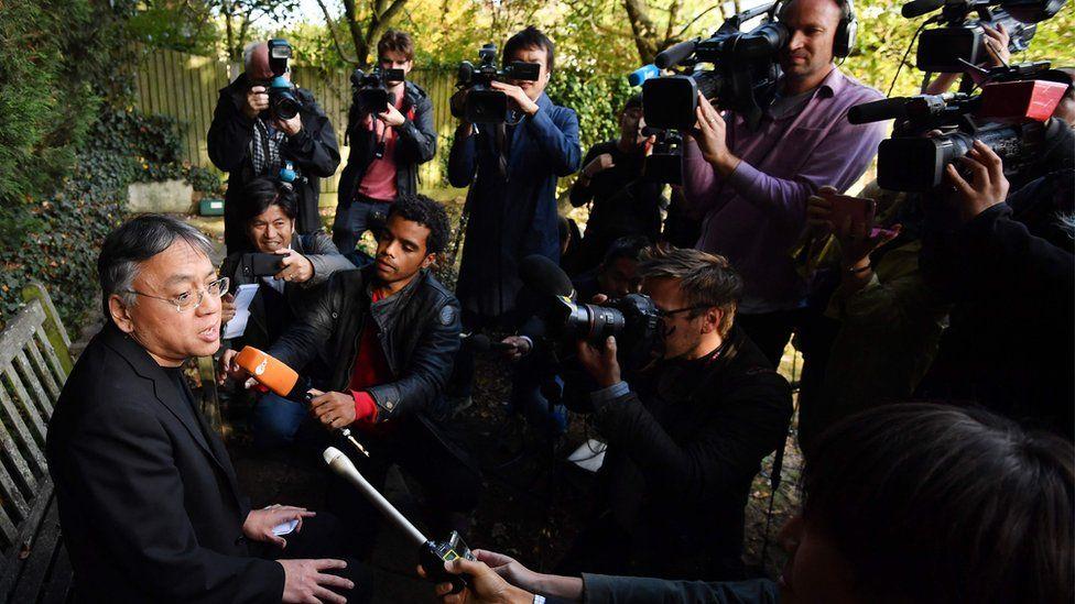Kazuo Ishiguro and reporters