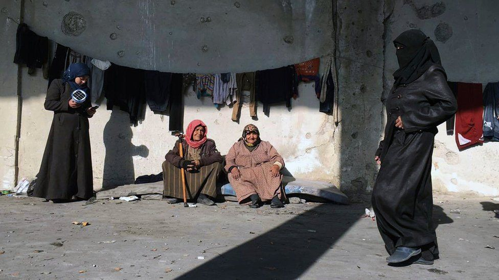 Syrians who were displaced with their families from eastern Aleppo gathering at the collective shelter, in the village of Jibreen south of Aleppo, Syria (Dec. 12, 2016)
