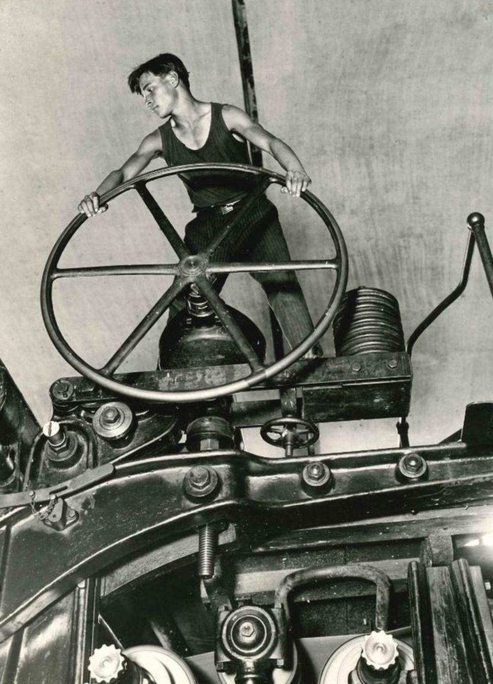 """Аркадий Шайхет """"Комсомолец за штурвалом"""", 1929 г."""