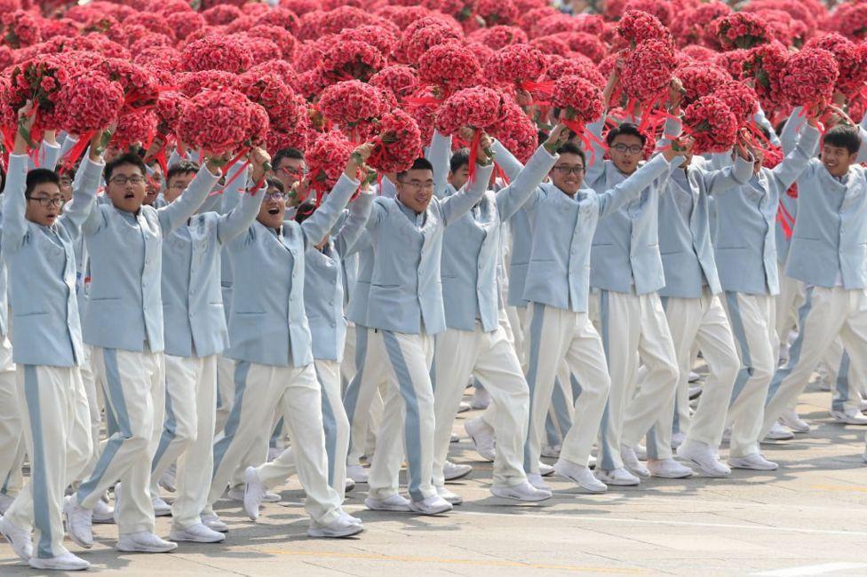 Китайські студенти на параді в честь 70-ліття КНР