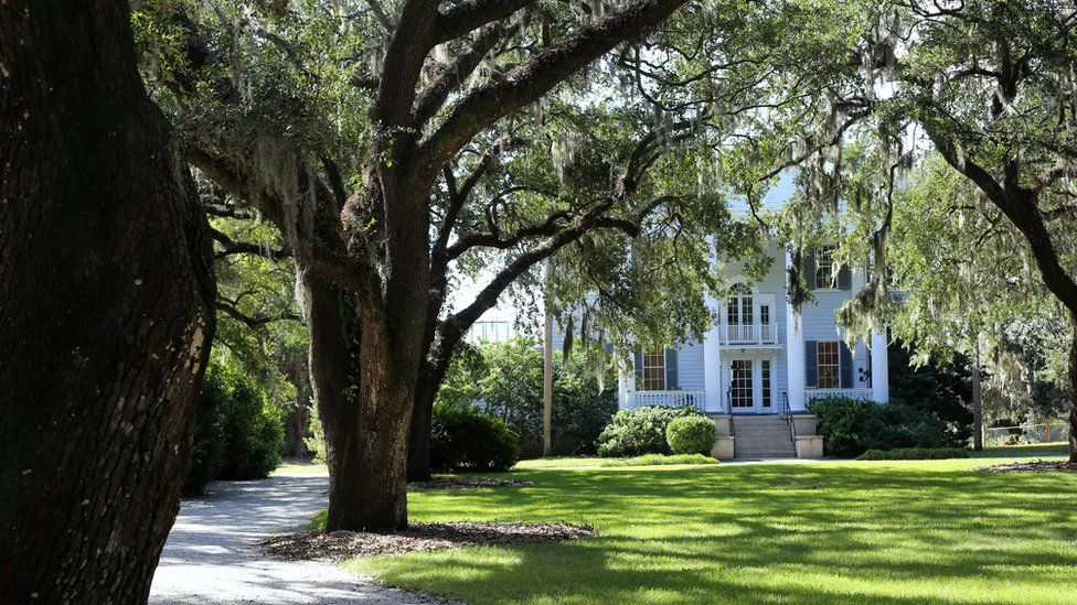 Wedding planning websites curb promotion of US plantation venues