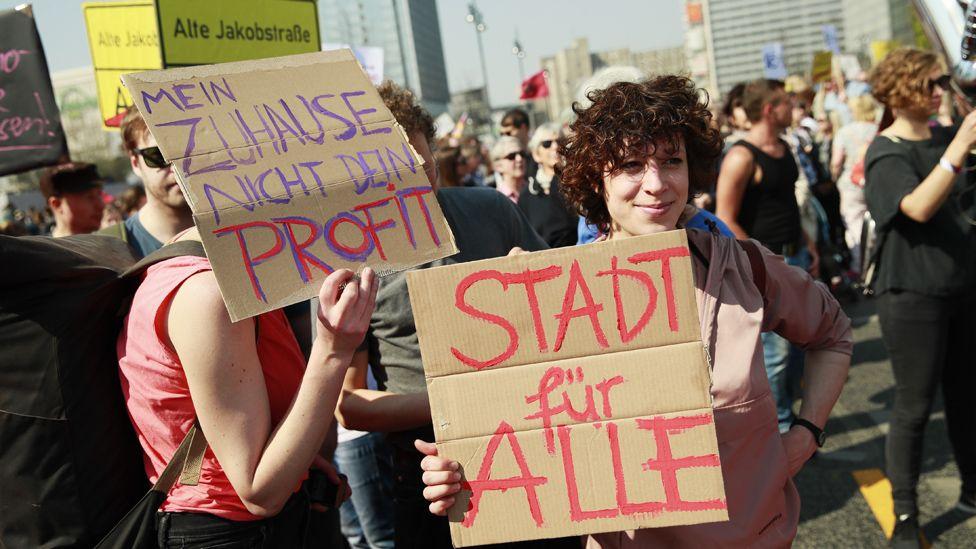 Fair rent march in Berlin, 6 Apr 19