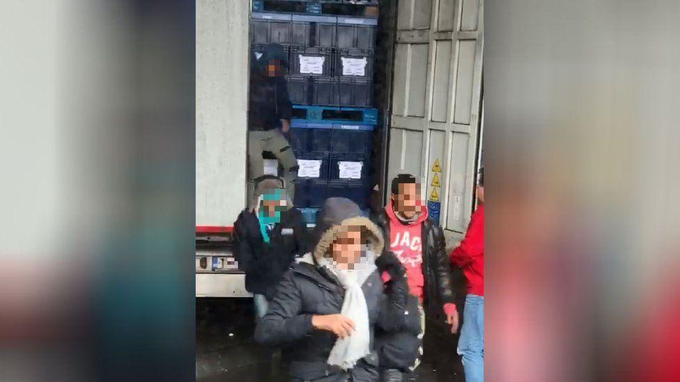 Migrants leaving lorry