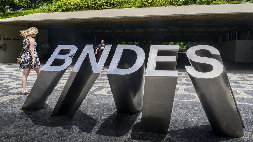 BNDES: o que está em jogo nos dois pontos polêmicos que levaram à saída de Levy do banco